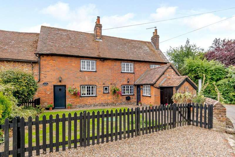 3 Bedrooms Semi Detached House for sale in Plough Cottages, Bradden Lane, Gaddesden Row, Hemel Hempstead