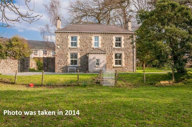 4 Bedrooms Detached House for sale in Yr Hen Ficerdy, Llanddaniel