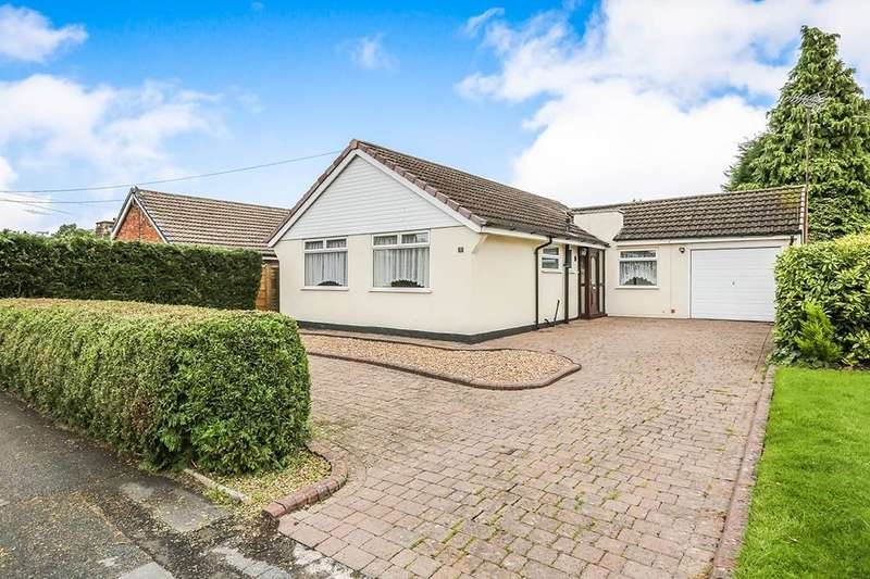 3 Bedrooms Detached Bungalow for sale in Valley Road, Macclesfield, SK11