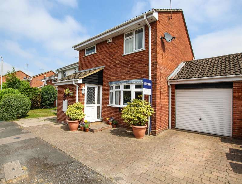 3 Bedrooms Link Detached House for sale in The Pastures, Edlesborough, Dunstable, LU6 2HL
