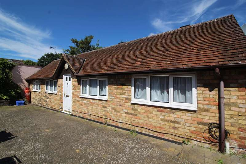 2 Bedrooms Bungalow for sale in Hockliffe Street, Leighton Buzzard, Bedfordshire