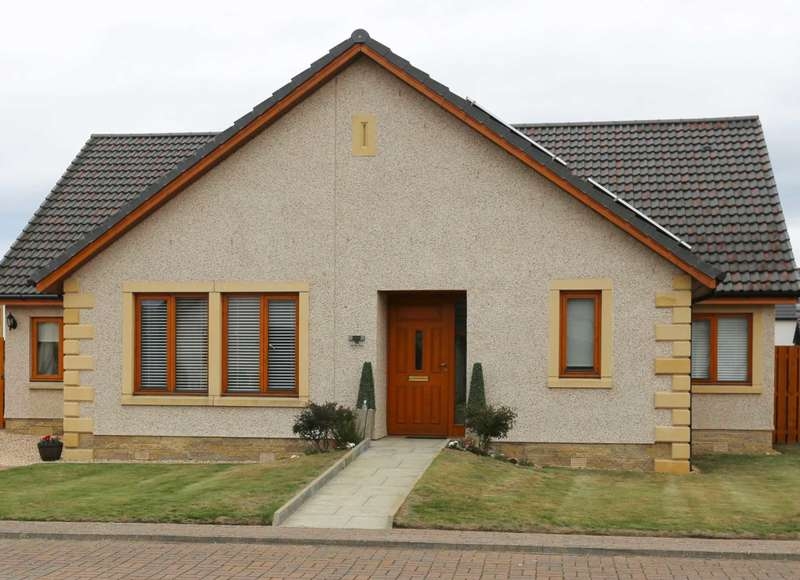 4 Bedrooms Detached Bungalow for sale in Old Bar View, Nairn