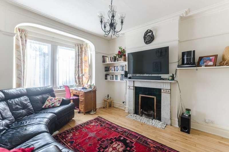 4 Bedrooms Detached House for sale in Elmers End Road, Penge, SE20