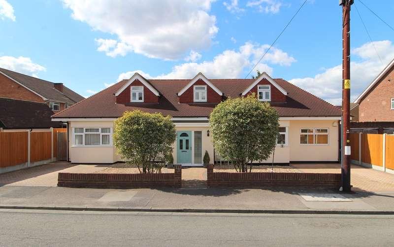 4 Bedrooms Detached House for sale in Mornington Road, Ashford, Surrey, TW15