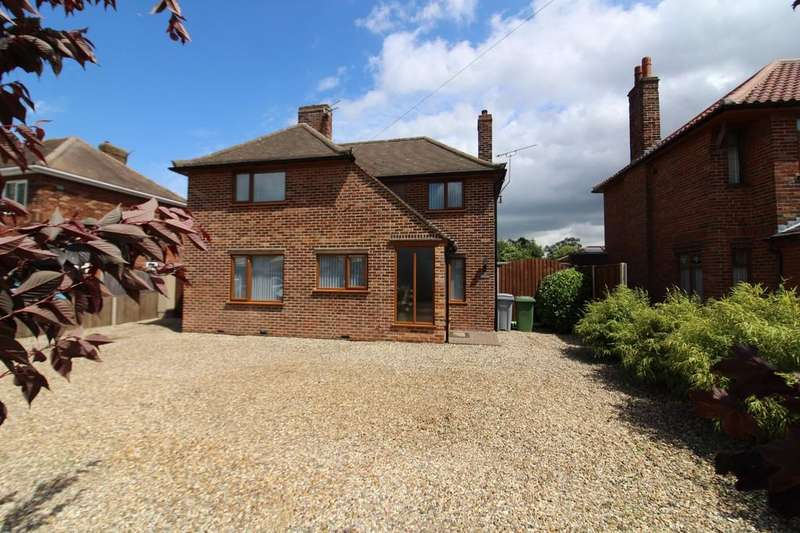 3 Bedrooms Detached House for sale in Cromer Road, Norwich