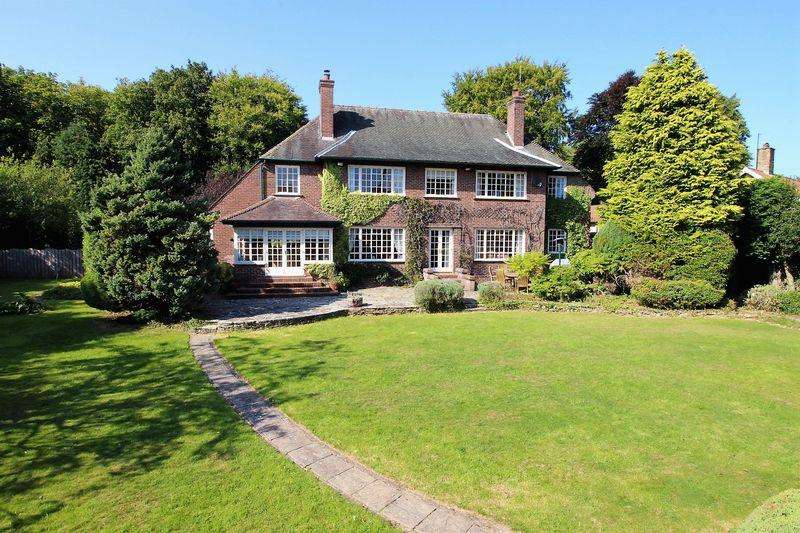 4 Bedrooms Detached House for sale in North Street, Scalby