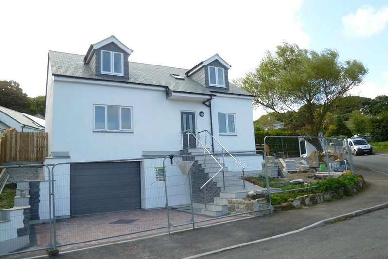 3 Bedrooms Detached House for sale in St. Golder Road, Newlyn, Penzance