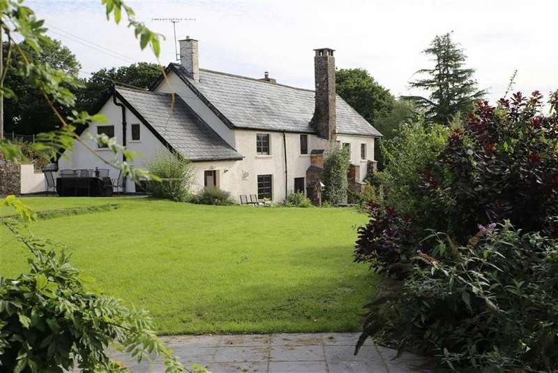 4 Bedrooms Detached House for sale in Dulverton, Somerset, TA22