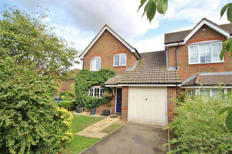 3 Bedrooms Semi Detached House for sale in West End Close, Steeple Claydon