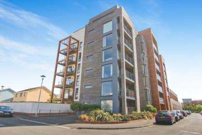 Flat for sale in Newfoundland Way, Portishead, Bristol