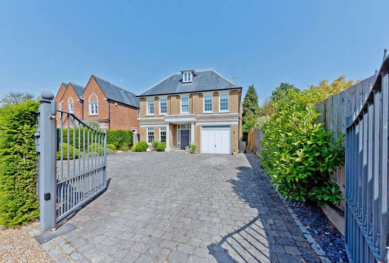 5 Bedrooms Detached House for sale in Fitzgerald Road, Boyle Farm, Thames Ditton