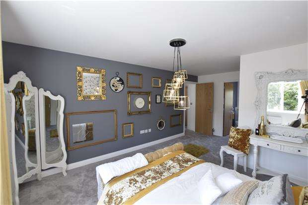 4 Bedrooms Detached House for sale in PART EXCHANGE EVENT New Dawn View, GLOUCESTER, GL1 5LQ