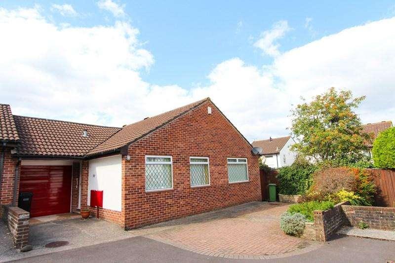 3 Bedrooms Semi Detached Bungalow for sale in Mells Close, Keynsham, Bristol