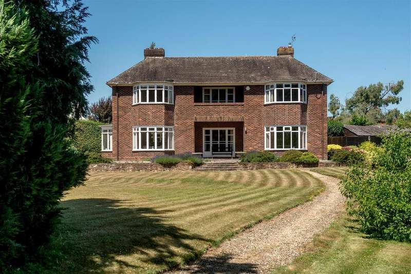 5 Bedrooms Detached House for sale in Batts Park About 1.2 Acre