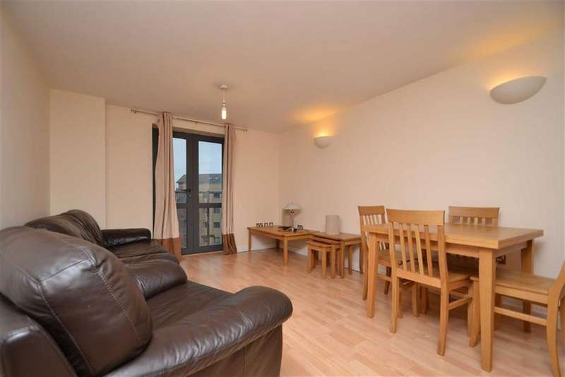 2 Bedrooms Apartment Flat for sale in Velocity East, City Walk, Leeds, LS11