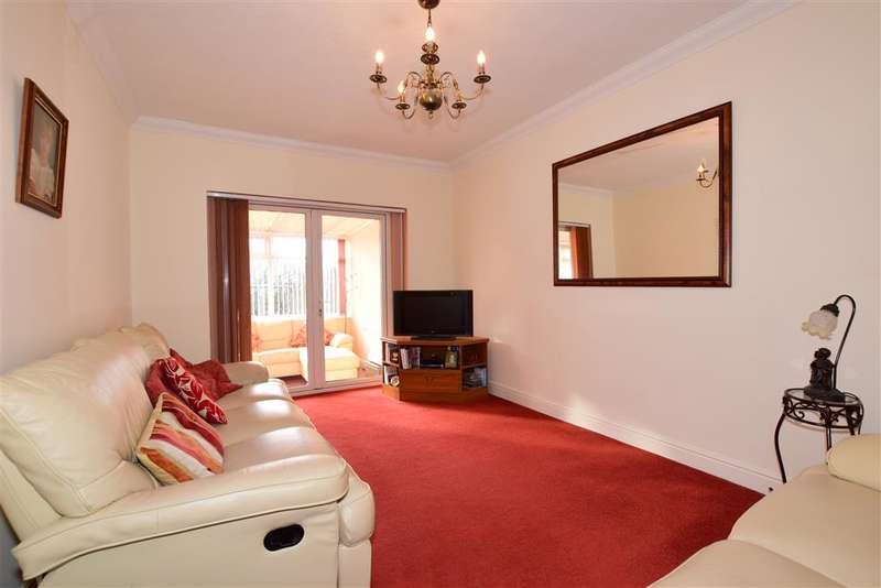 3 Bedrooms Bungalow for sale in Dorian Road, , Hornchurch, Essex
