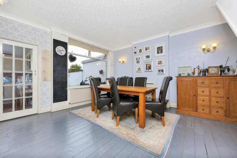 5 Bedrooms Semi Detached House for sale in Willersley Avenue, Sidcup, DA15