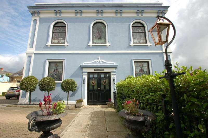 3 Bedrooms Semi Detached House for sale in The Chapel, Fore Street, Camborne