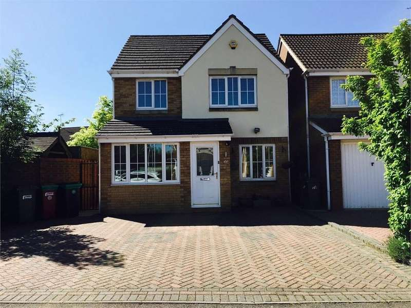3 Bedrooms Detached House for sale in Blunden Drive, Langley, Berkshire