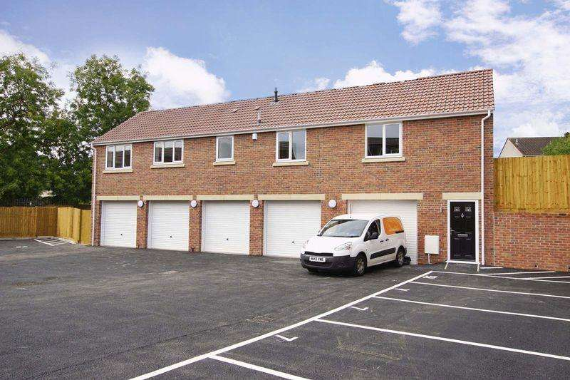 2 Bedrooms Apartment Flat for sale in Lees Hill, Bristol, BS15 4TL