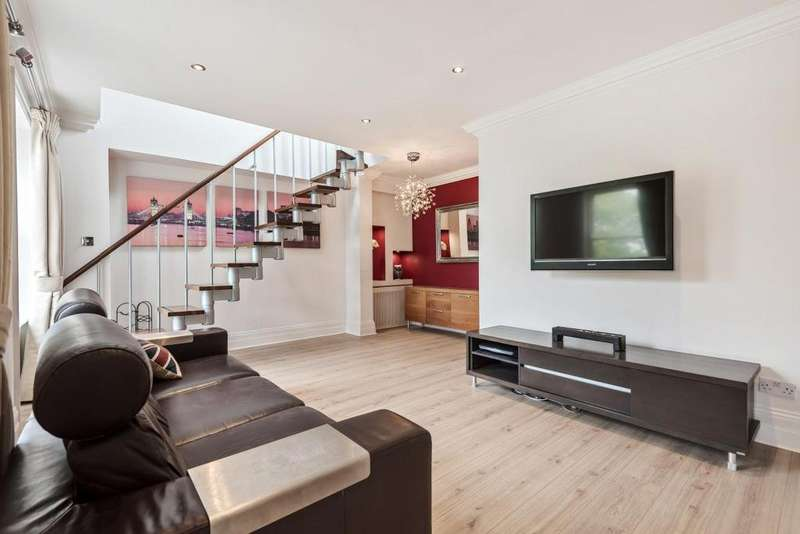 3 Bedrooms Flat for sale in Clapham Common South Side, Clapham