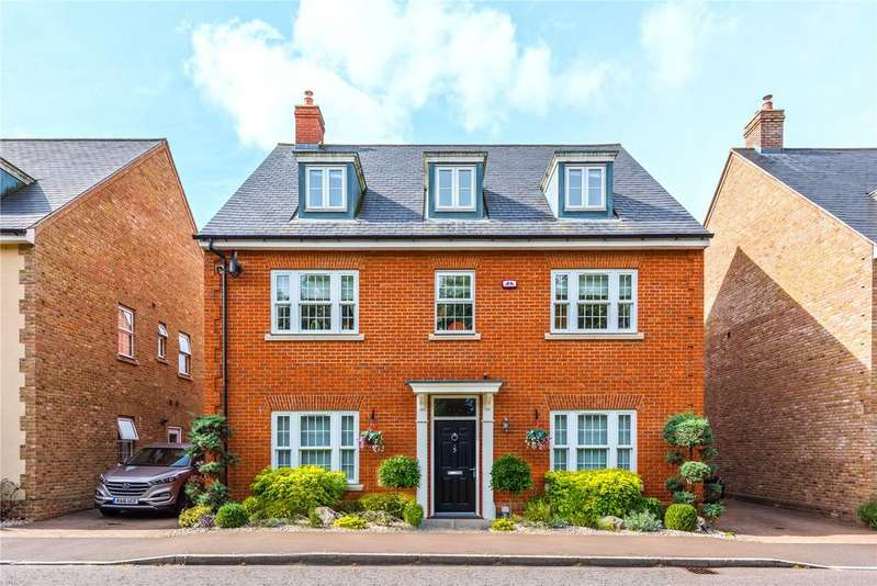 6 Bedrooms Detached House for sale in Boleyn Row, Epping, Essex, CM16