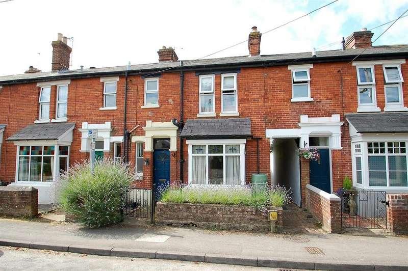 3 Bedrooms Terraced House for sale in Barham Road, Petersfield