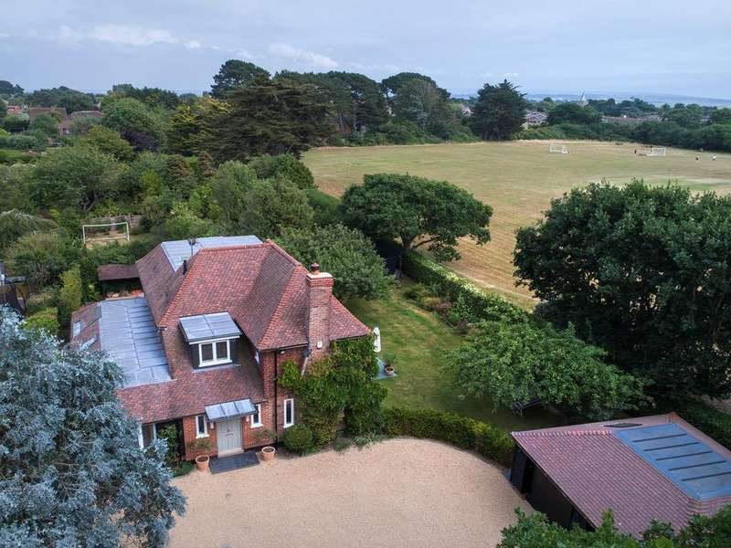 4 Bedrooms Detached House for sale in Barnes Lane, Milford on Sea, Lymington, SO41