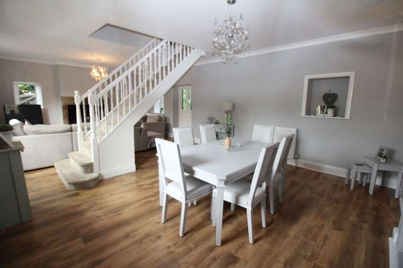 3 Bedrooms Detached House for sale in Lane Head, Ryton, NE40