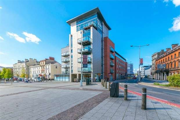 Flat for sale in Quayside, Bute Crescent, Cardiff, South Glamorgan
