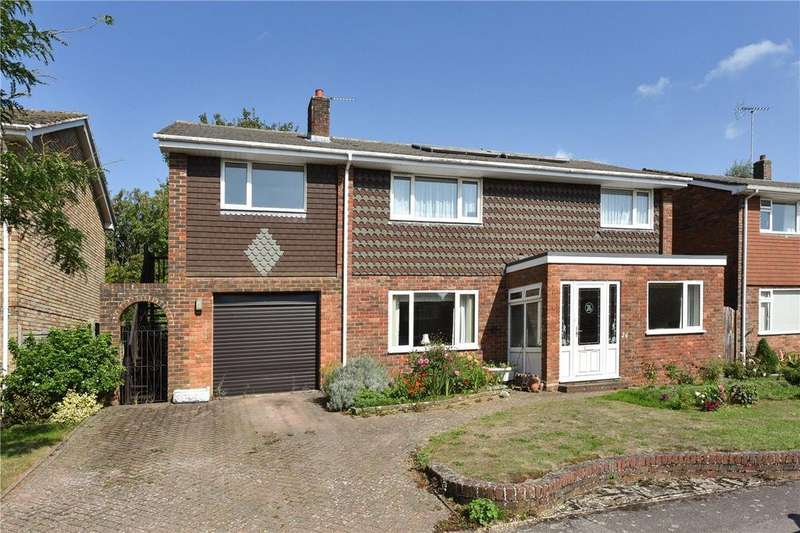 5 Bedrooms Detached House for sale in Monks Orchard, Petersfield, Hampshire, GU32