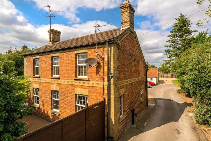3 Bedrooms Detached House for sale in Boston Road, Heckington, Sleaford, Lincolnshire, NG34