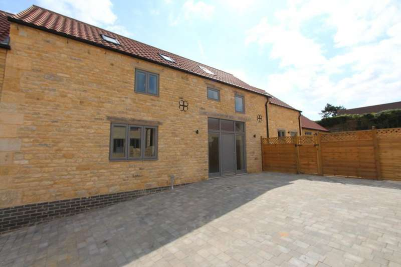 4 Bedrooms Barn Conversion Character Property for sale in High Street, Castle Bytham