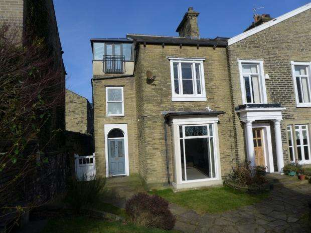 4 Bedrooms End Of Terrace House for sale in Savile Park Halifax