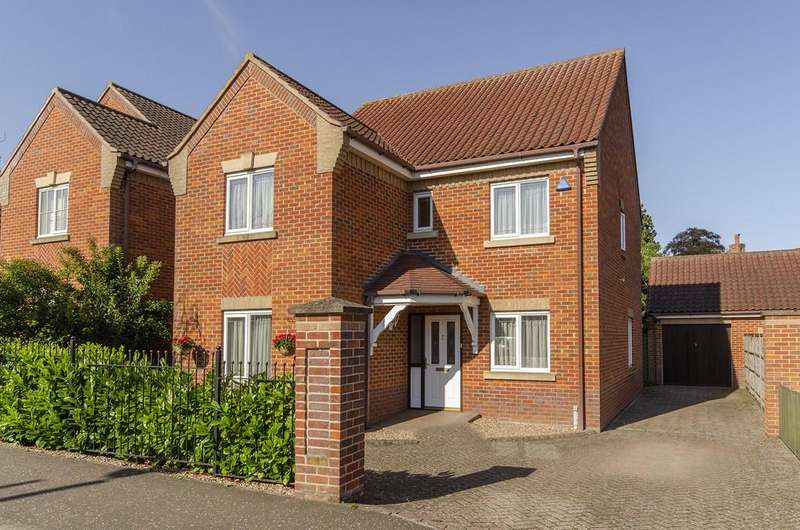 4 Bedrooms Detached House for sale in Intwood Road, Cringleford