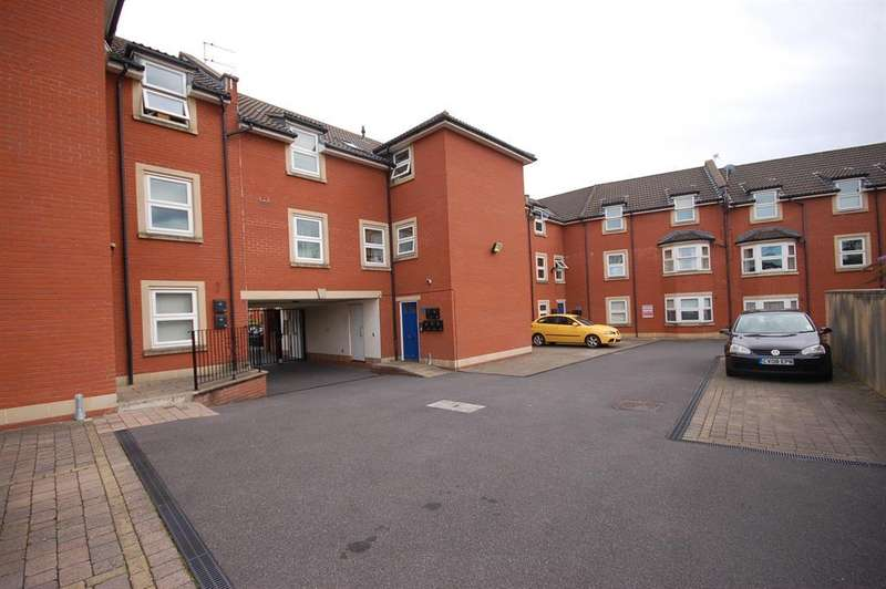 2 Bedrooms Flat for sale in Bartley Court, Blackswarth Road, Redfield, Bristol, BS5 8AS