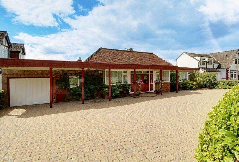 4 Bedrooms Detached Bungalow for sale in The Ridgeway, Northaw
