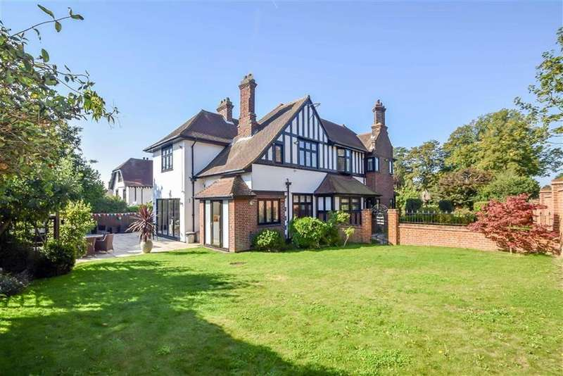 5 Bedrooms Detached House for sale in Chalkwell Avenue, Westcliff-on-sea, Essex