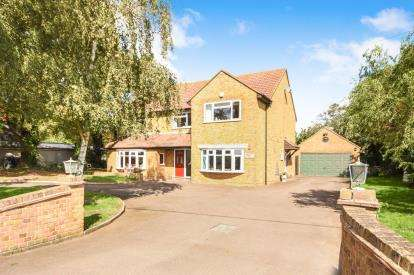 5 Bedrooms Detached House for sale in Burnham On Crouch, Essex