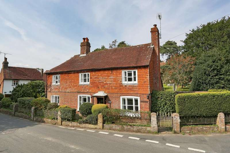 3 Bedrooms Detached House for sale in Church Road, Hellingly BN27