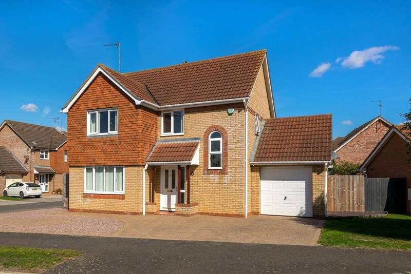 3 Bedrooms Detached House for sale in Tennyson Drive, Bourne, PE10