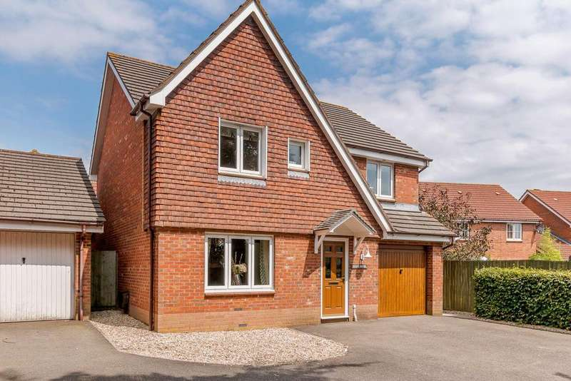 4 Bedrooms Detached House for sale in Gables Road, Willand, Cullompton, Devon