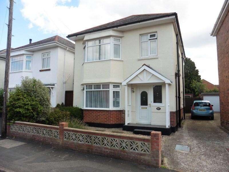 3 Bedrooms Detached House for sale in Howeth Road, Ensbury Park, Bournemouth