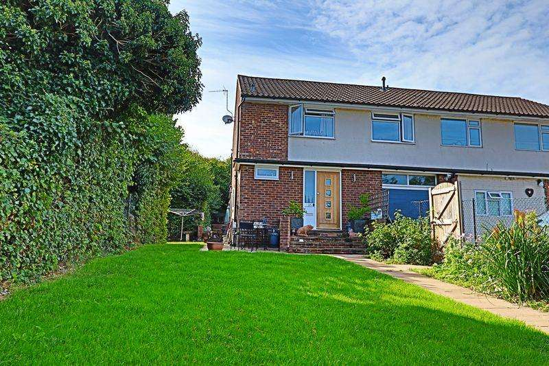 4 Bedrooms Semi Detached House for sale in Winchester Road, Petersfield