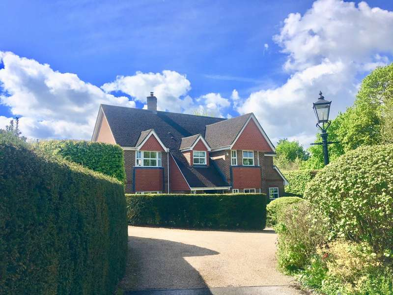 5 Bedrooms Detached House for sale in Itchen Abbas, Winchester