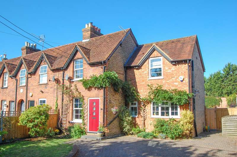 3 Bedrooms Terraced House for sale in Coniston Cottages, Wexham Street, Stoke Poges, SL3