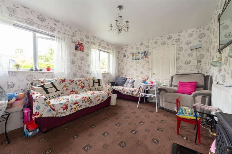3 Bedrooms Detached Bungalow for sale in Mulberry Close, Luton