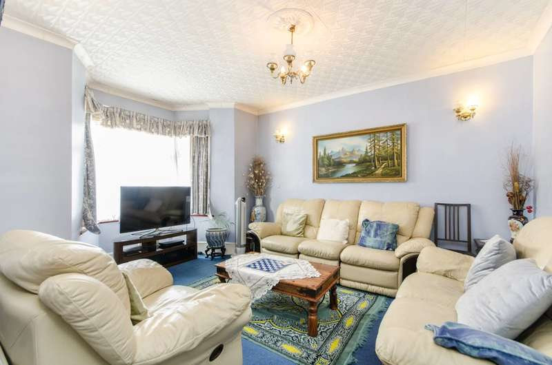 4 Bedrooms Terraced House for sale in Buckingham Road, Harlesden, NW10