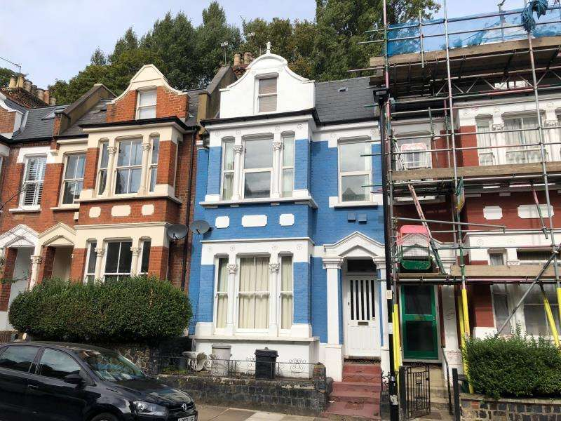 5 Bedrooms Terraced House for sale in Waterlow Road, Highgate Borders N19