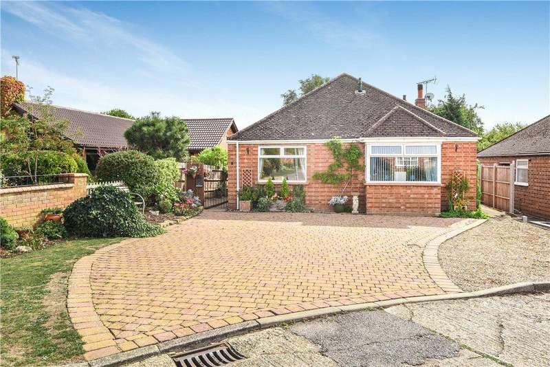 3 Bedrooms Detached Bungalow for sale in Hawkwell Estate, Old Stratford, Milton Keynes, Northamptonshire